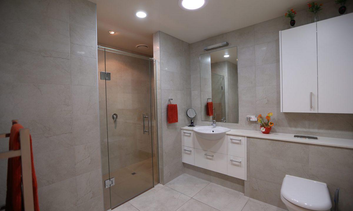 G51 Three Bedroom Townhouse Bathroom