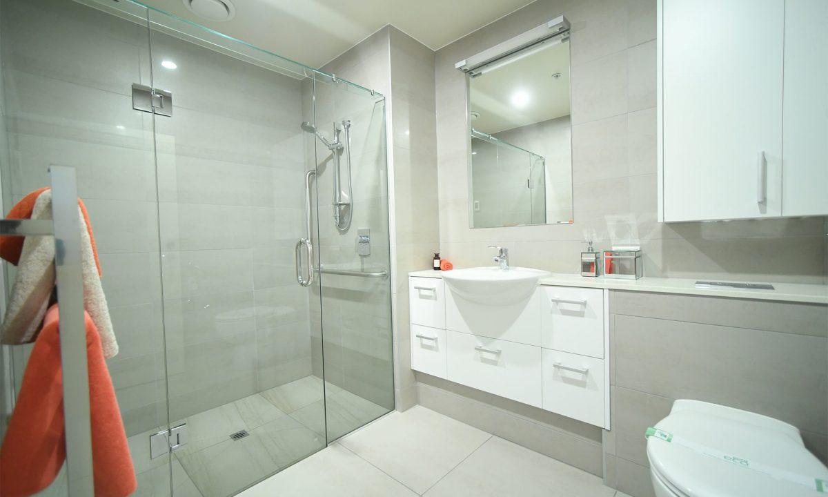 Lucas 189 Bathroom